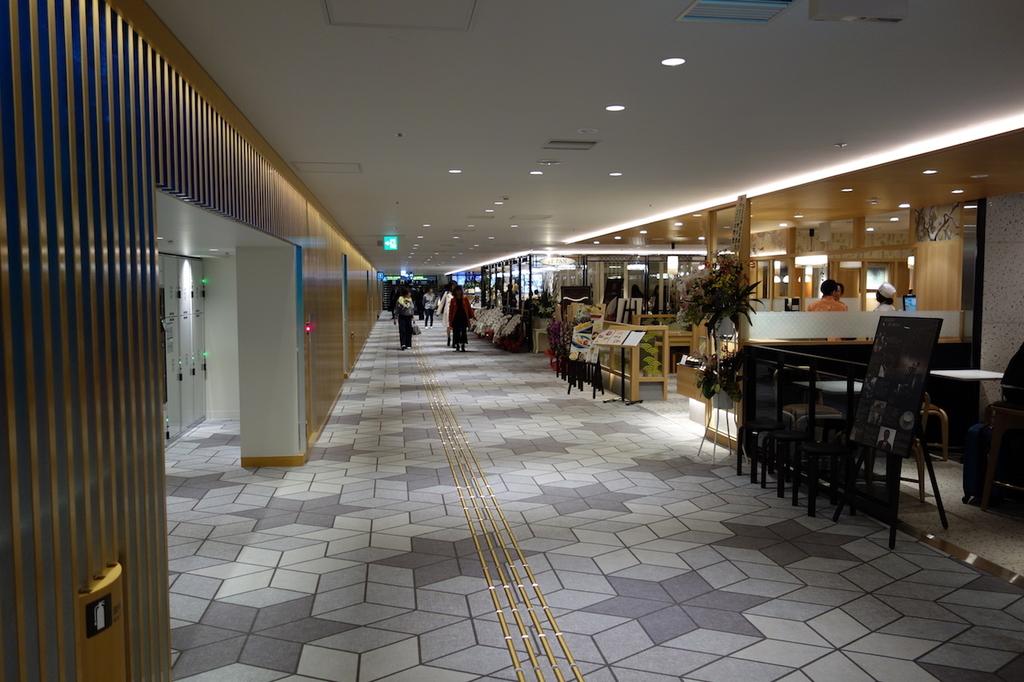 大阪国際空港中央ブロック2Fのコインロッカー付近(平成30年4月25日)