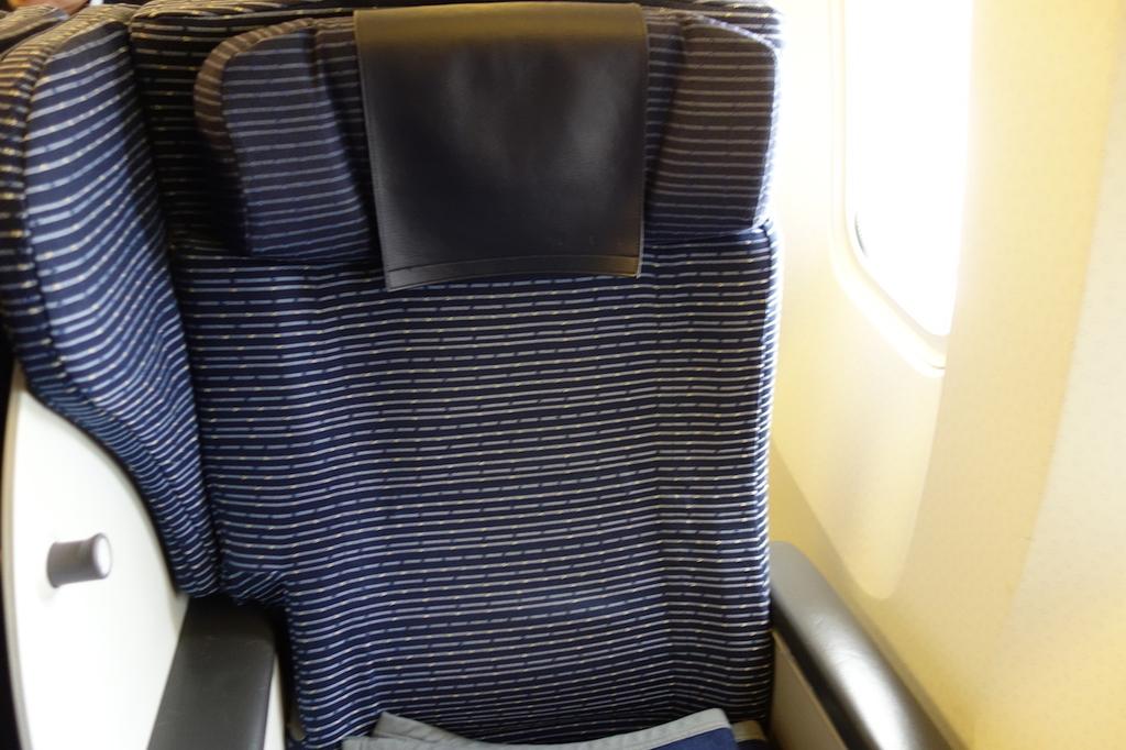 ANA1864便のプレミアムクラスシート(平成30年4月25日)