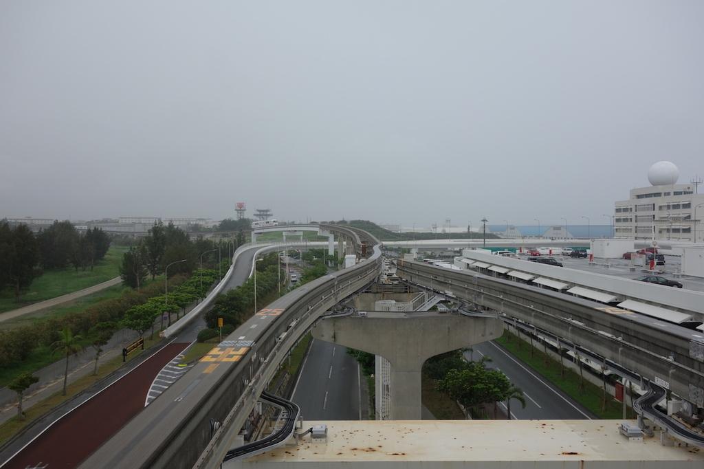 ゆいレール那覇空港駅のホームから見た景色