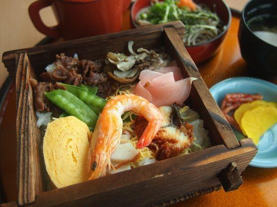 いずもまがたまの里伝承館の松江の蒸し寿司