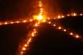 京都新聞写真コンテスト 送り火を支える人々