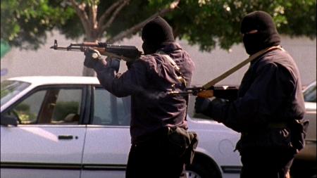 強盗 ノース ハリウッド 事件 銀行