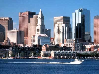 ボストンハーバーからダウンタウンを望む