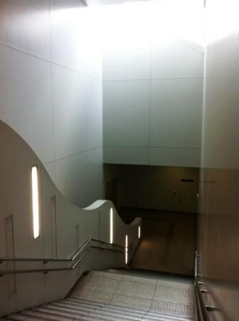 Approch stairway to 国立新美術館