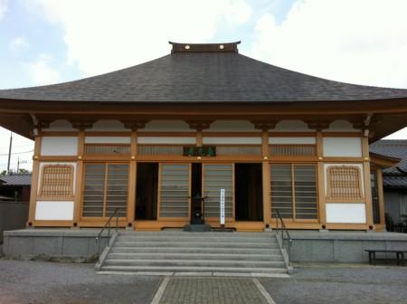 真行寺本堂