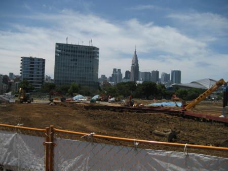 国立競技場跡地から新宿副都心を望む