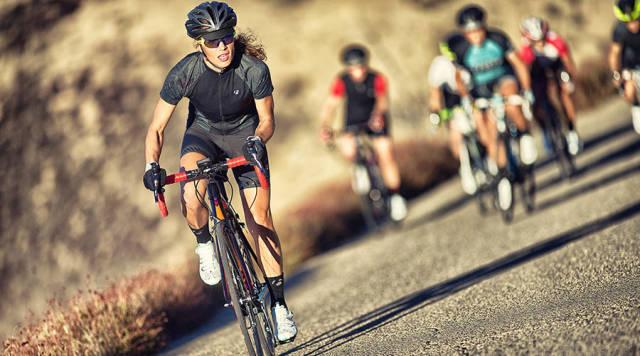 女の子のためのサイクリングの6つの利点