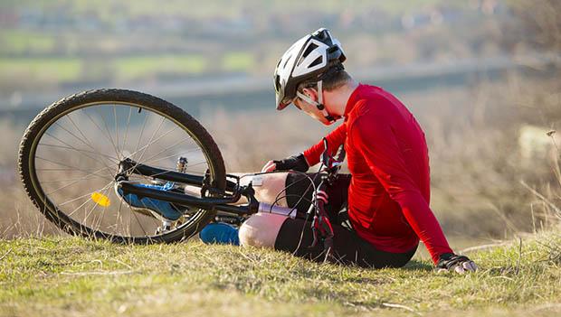 クラッシュ時に自転車を自転車に乗るときに逃げる方法
