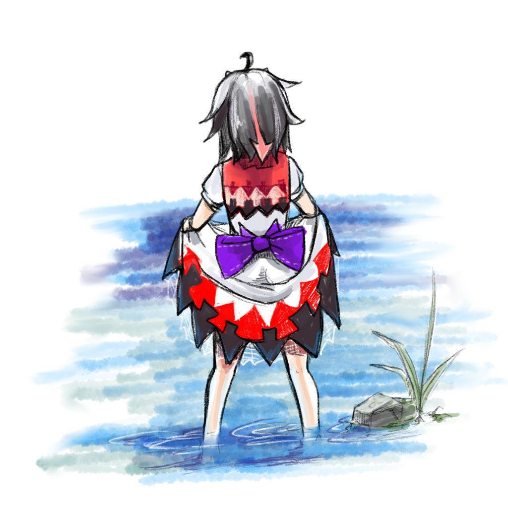 川辺に佇む鬼人正邪。