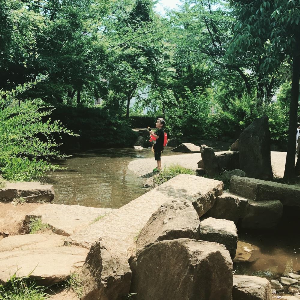 夏の西口公園、水遊び。