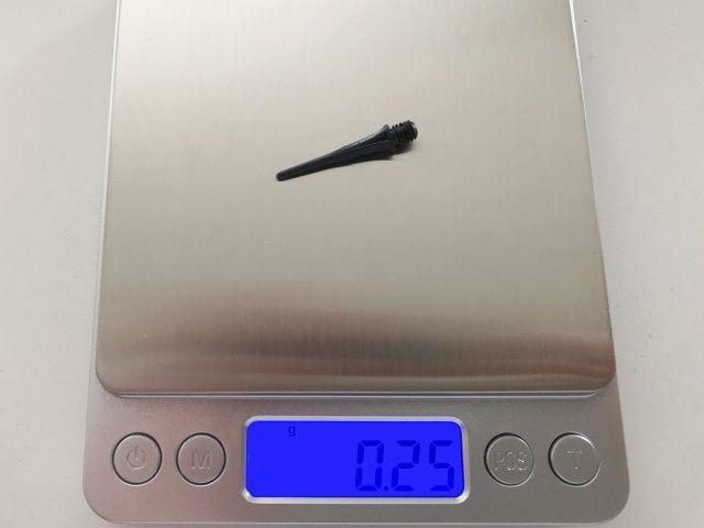 ダーツのチップの重さを電子秤で測る