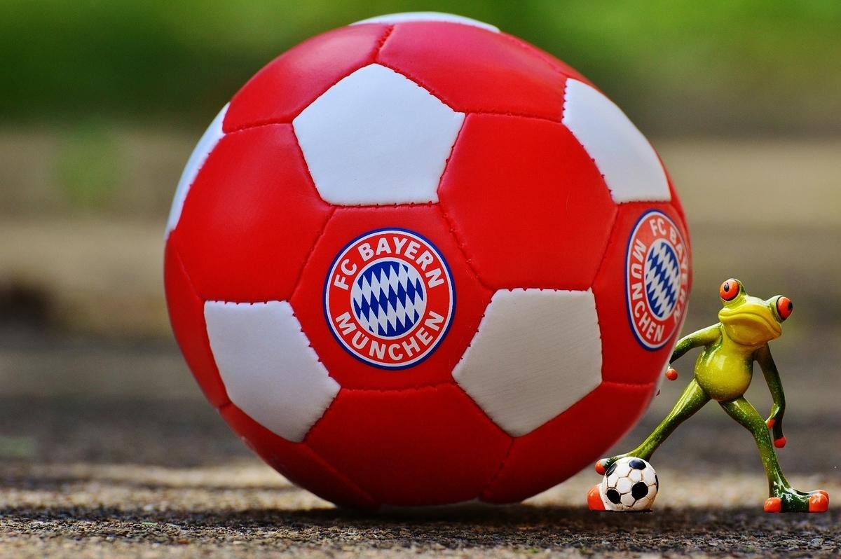 バイエルン・ミュンヘン、サッカー、ボール