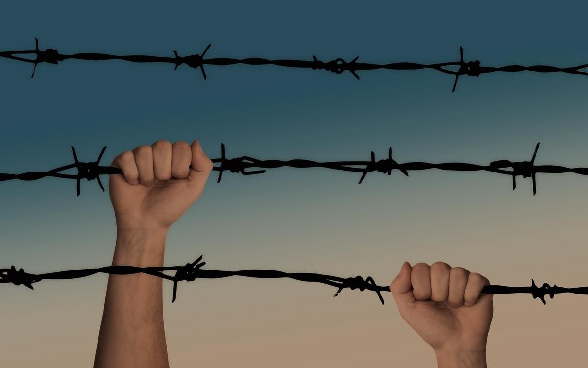 有刺鉄線、ベルリンの壁、崩壊