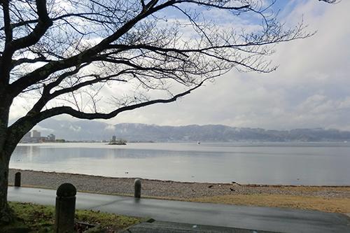 諏訪湖をランニング
