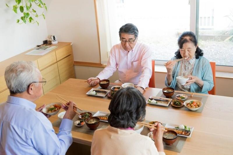 サービス付き高齢者向け住宅の食事イメージ