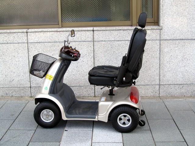 電動車椅子とは 種類と選び方