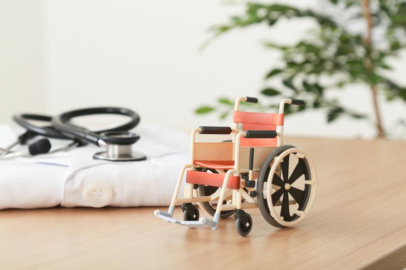 高齢者が入院することによる生活への影響やリスク