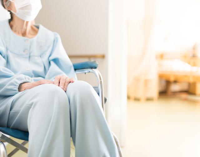 かしこい介護施設の選び方  その2介護保険が使える施設はどこもいっぱい!残る選択肢は?