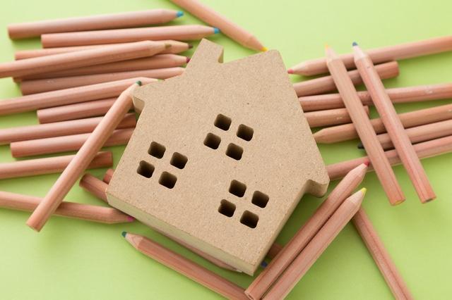 親が施設入居で実家が「空き家」化-デメリットと対処方法について
