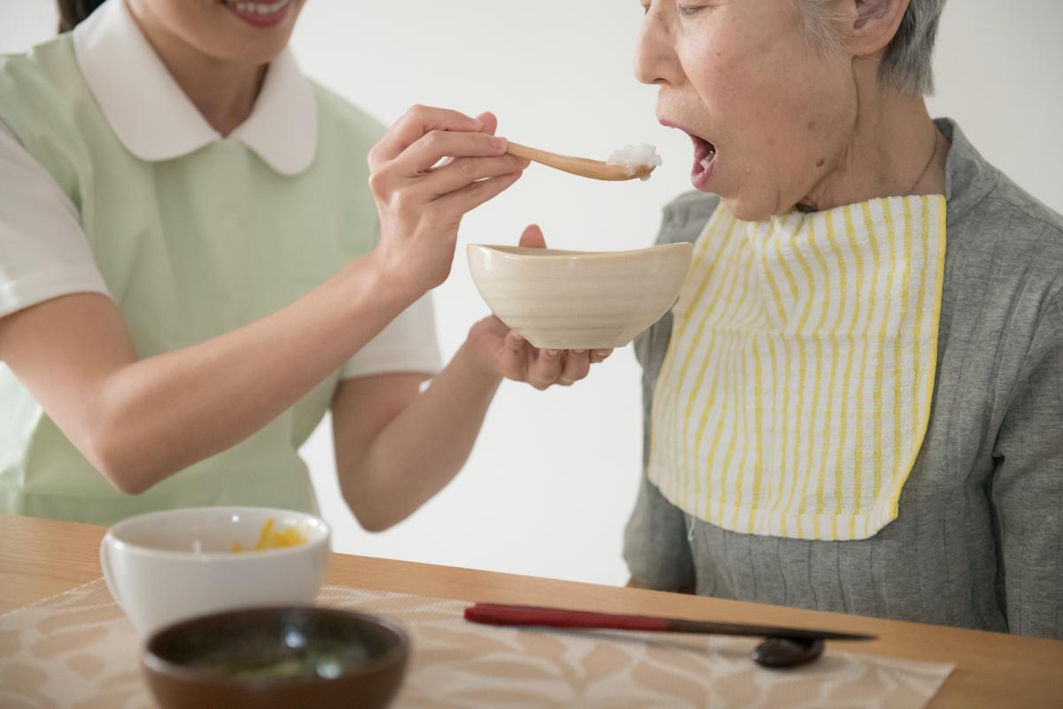 食事介助の方法