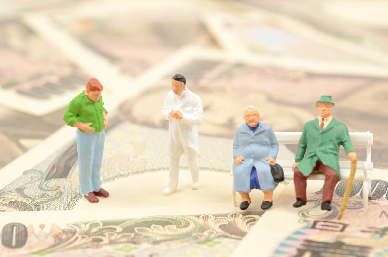 認知症になった親の金銭管理はどうする?