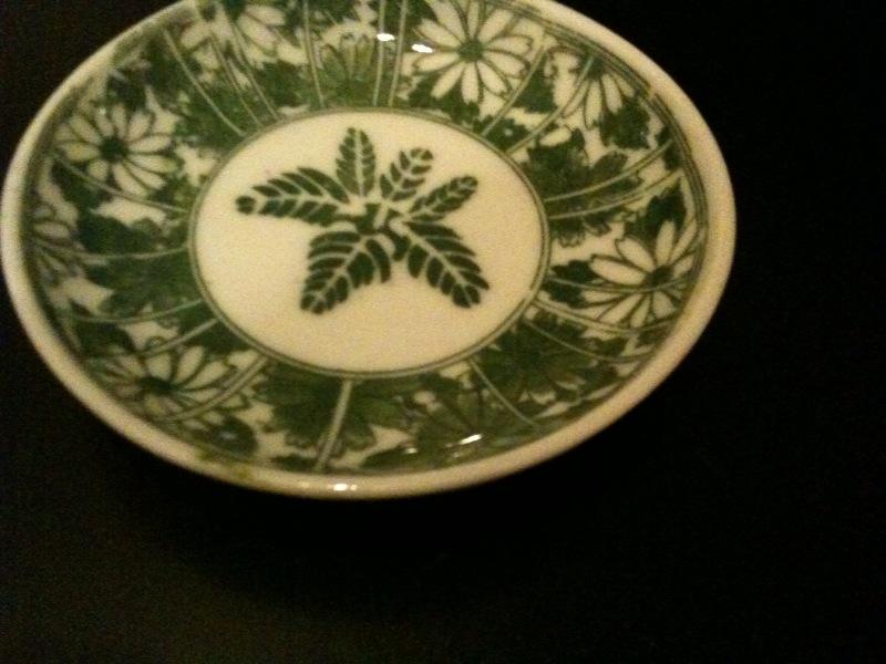 変わった色の小皿