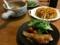 夕食。たらのムニエル、トルティージャ、スープ。