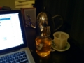 電気ケトルで、机に向かっていながらにして無限お茶環境ヤバい!