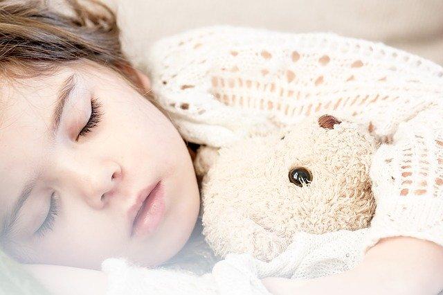 お昼寝の時間の長さと効果の違いを解説