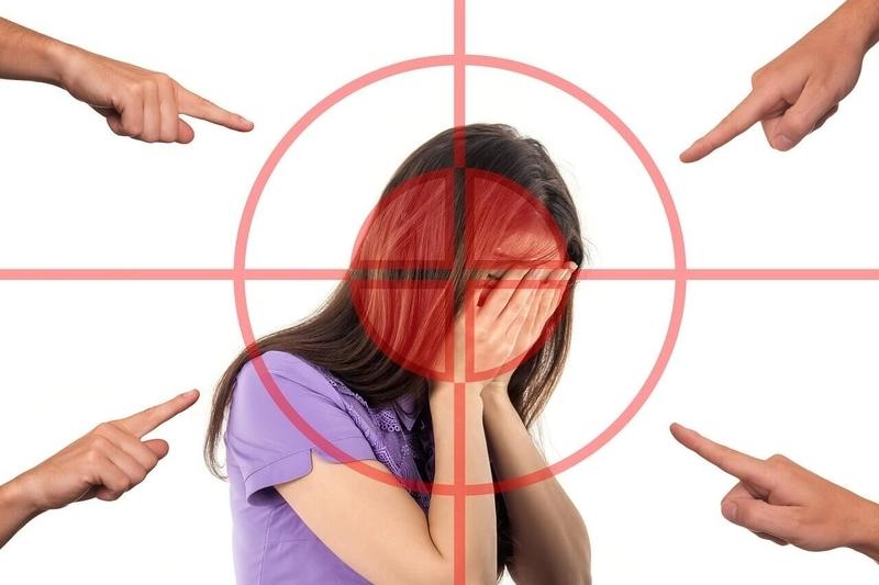 心理的虐待とネットいじめ