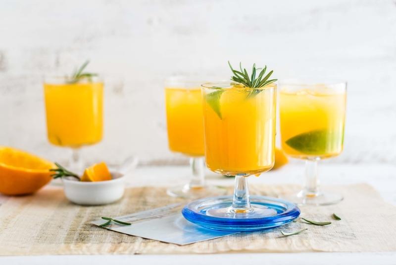 フルーツジュースを飲もう!