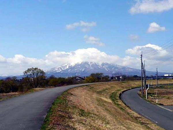 2020年4月14日(昨日)の岩木山の写真
