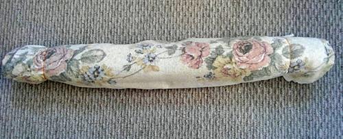 使い古しのバスタオルで作ったストレッチポールの写真