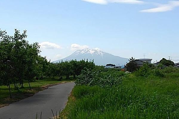 2020年6月2日の岩木山の写真