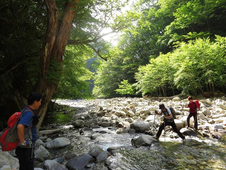 西沢渓谷鶏冠山登山口
