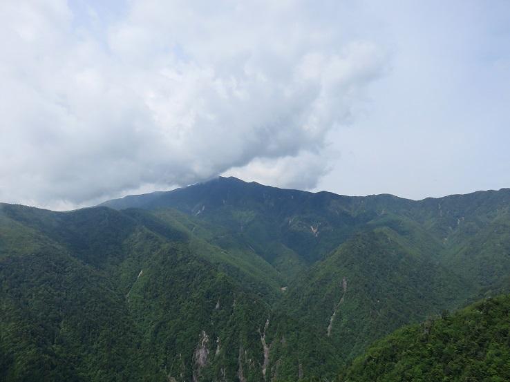 奥秩父最高峰の北奥千丈(きたおくせんじょう)岳(標高2601m)