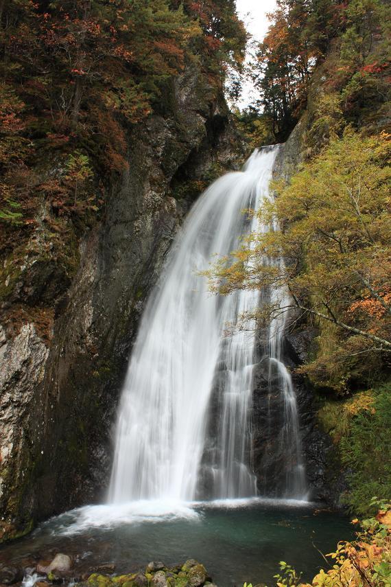 銚子の滝アップ