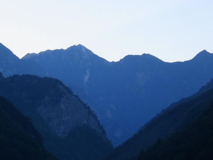 甲斐駒岳夜明け