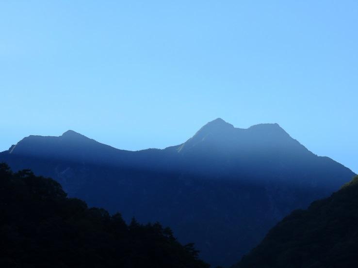 双児山と駒津峰