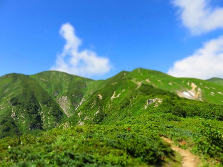 西朝日岳~大朝日岳の姿をジオラマモード