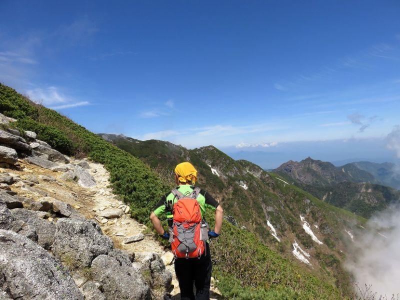鋸岳の稜線