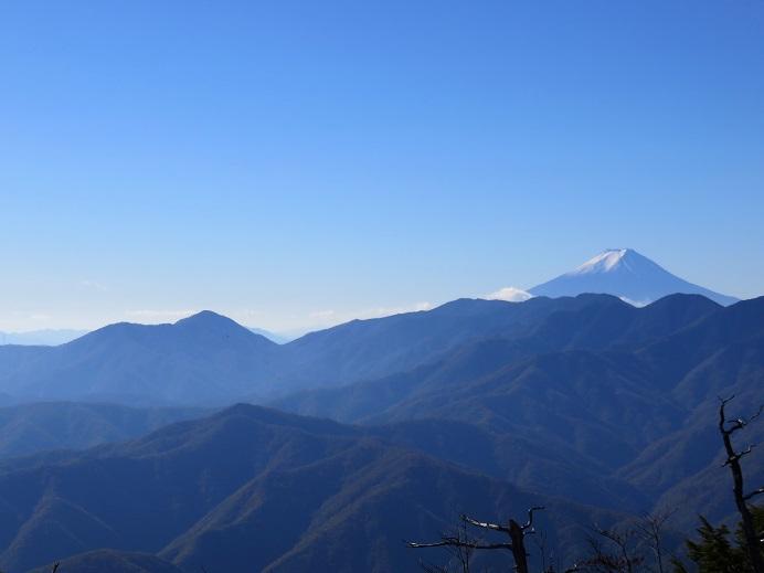 前飛竜山頂からの富士山の景色