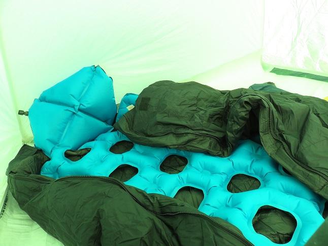 クライミット・イナーシャオゾンと寝袋の組み合わせ