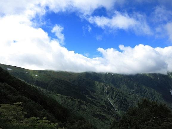 飯豊連峰の至福の稜線