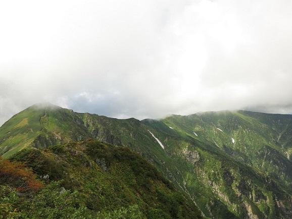 飯豊連峰の長い長い天空縦走路