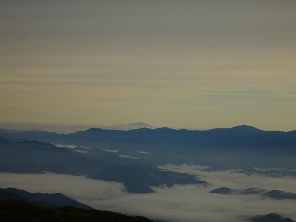 雲海と相まって素敵なお姿
