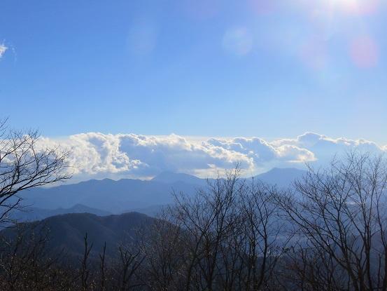 権現山からみた丹沢方面遠望