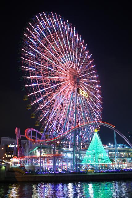 横浜のイルミネーションとみなとみらいの夜景