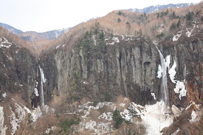 不動滝と権現滝の2つの滝の総称が米子大瀑布