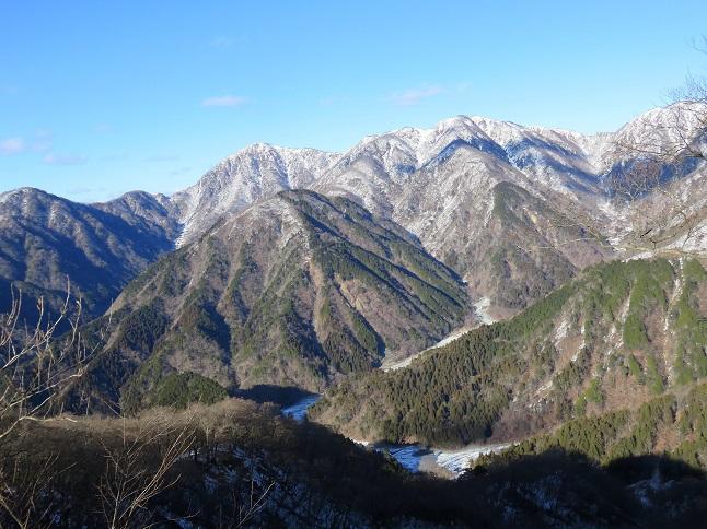 鍋割山稜から見る蛭ヶ岳